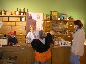 H 07 Heimatmuseum Soau Greißlerei 2006 b hp