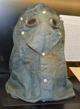 Schutz-/Sandhaube von Ida Pfeiffer im Literaturmuseum in Wien